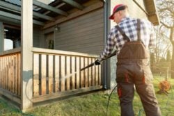 how to pressure wash a house before painting