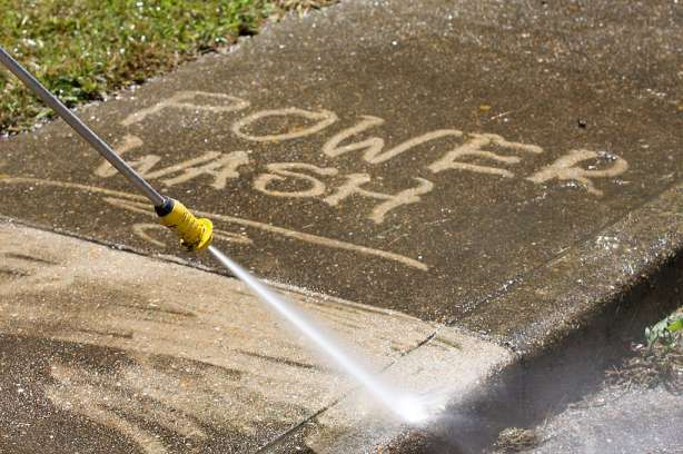how to power wash concrete driveway